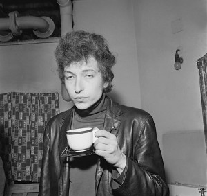 Here's Bob Dylan totally bored by your writing.